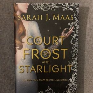 HARDCOVER: A COURT OF FROST AND STARLIGHT